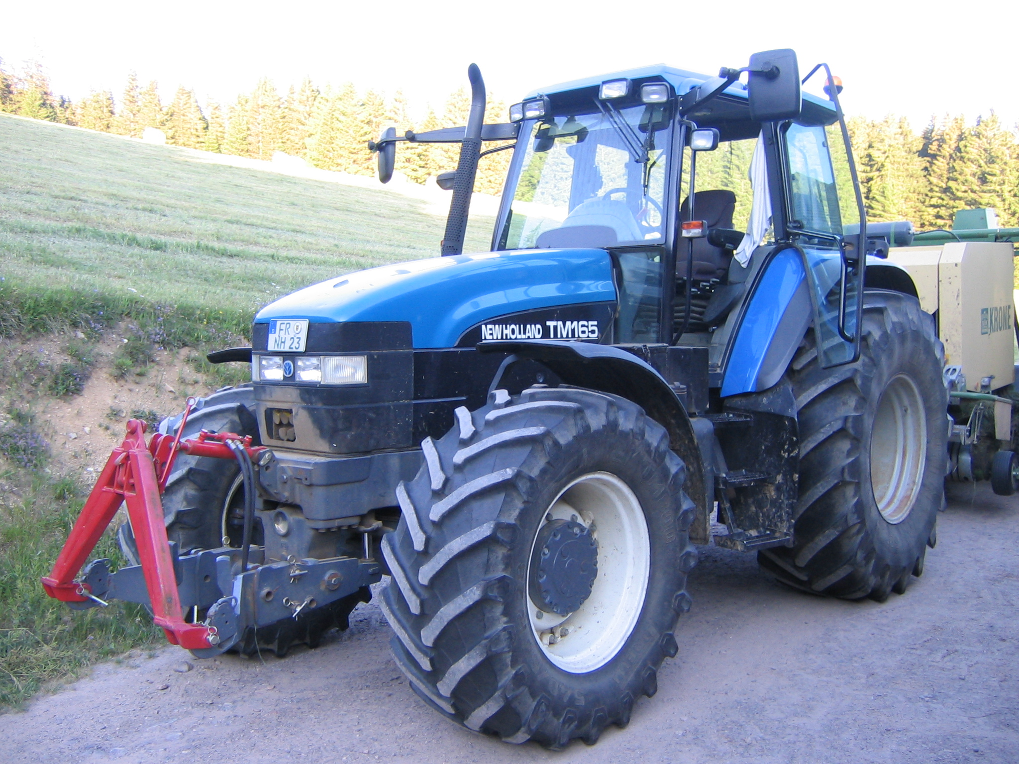 New holland tm photo - 1