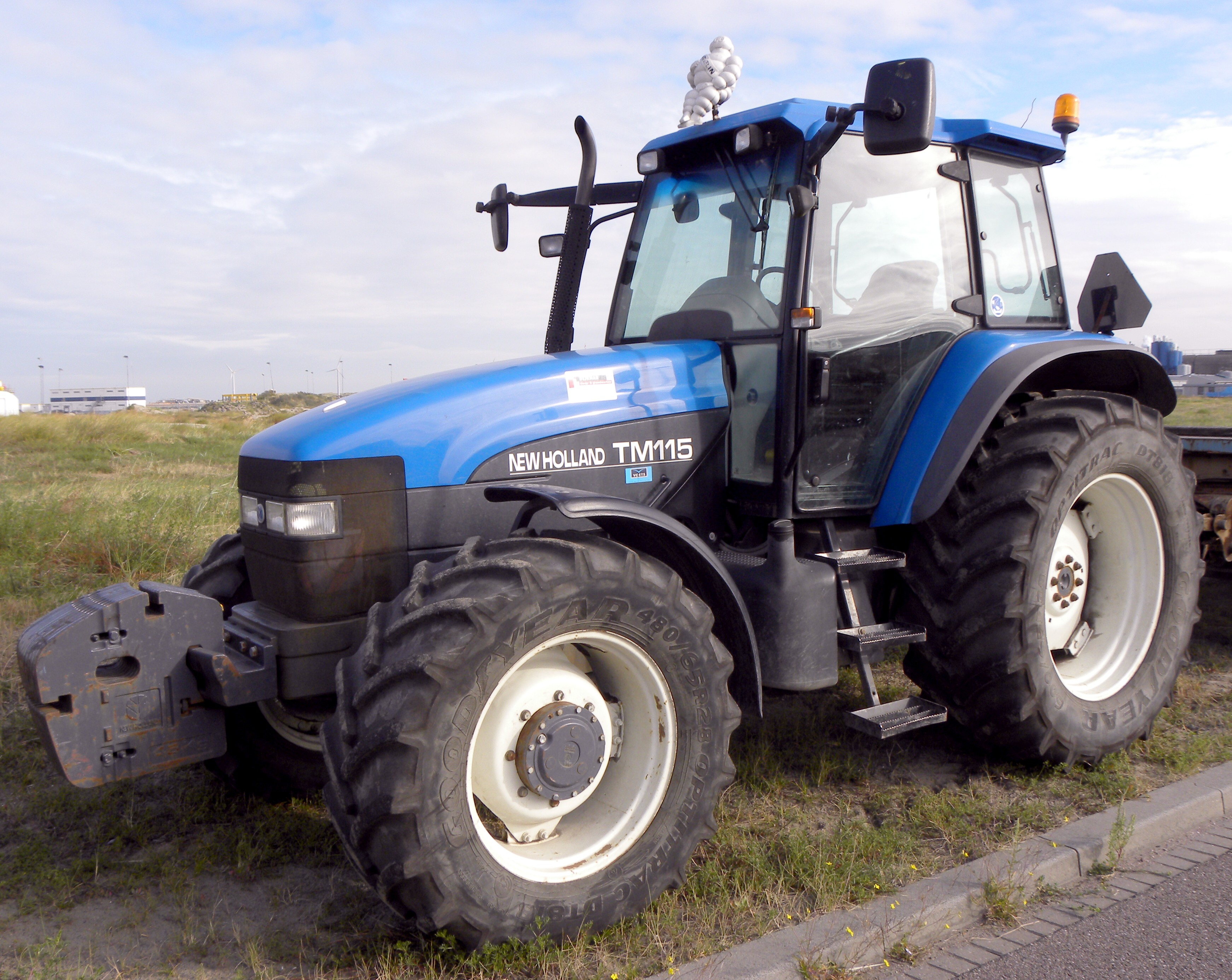 New holland tm photo - 3