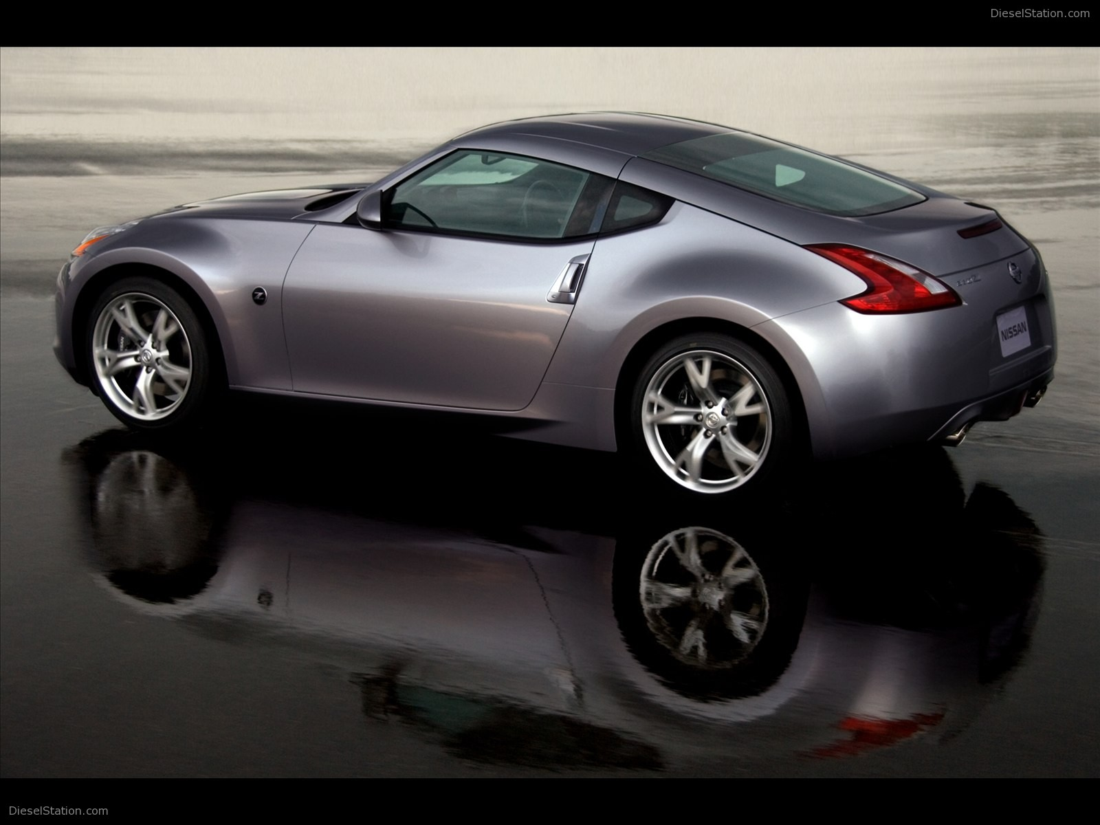Nissan coupe photo - 2