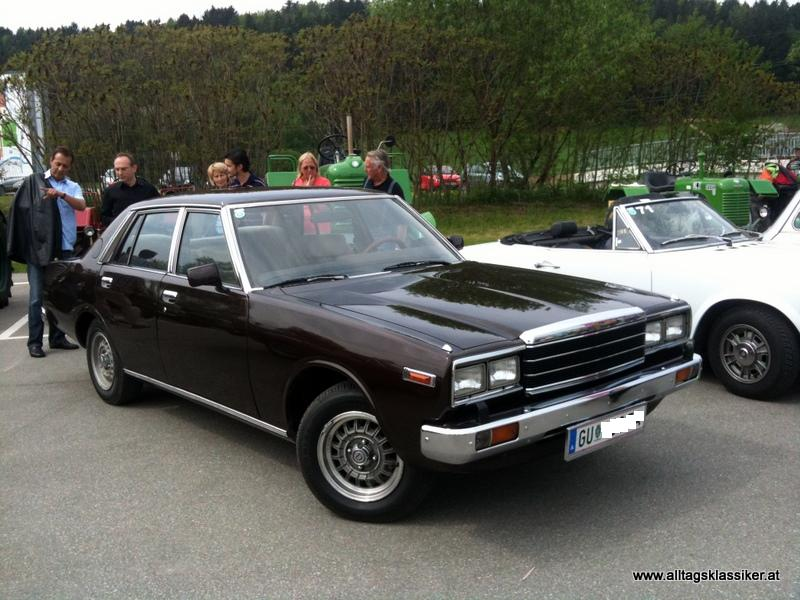 Nissan laurel photo - 1