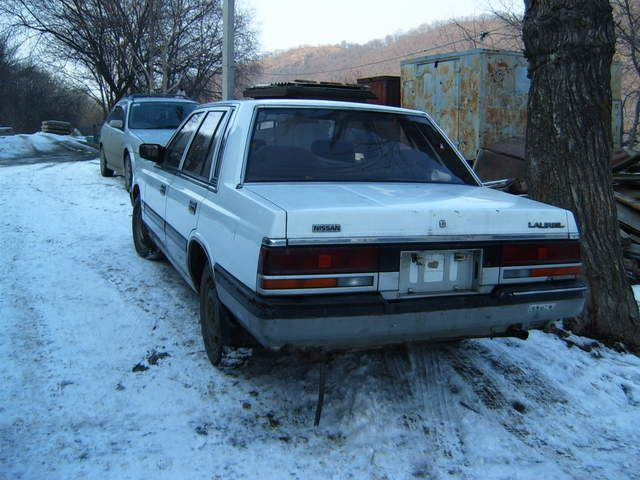 Nissan laurel photo - 3