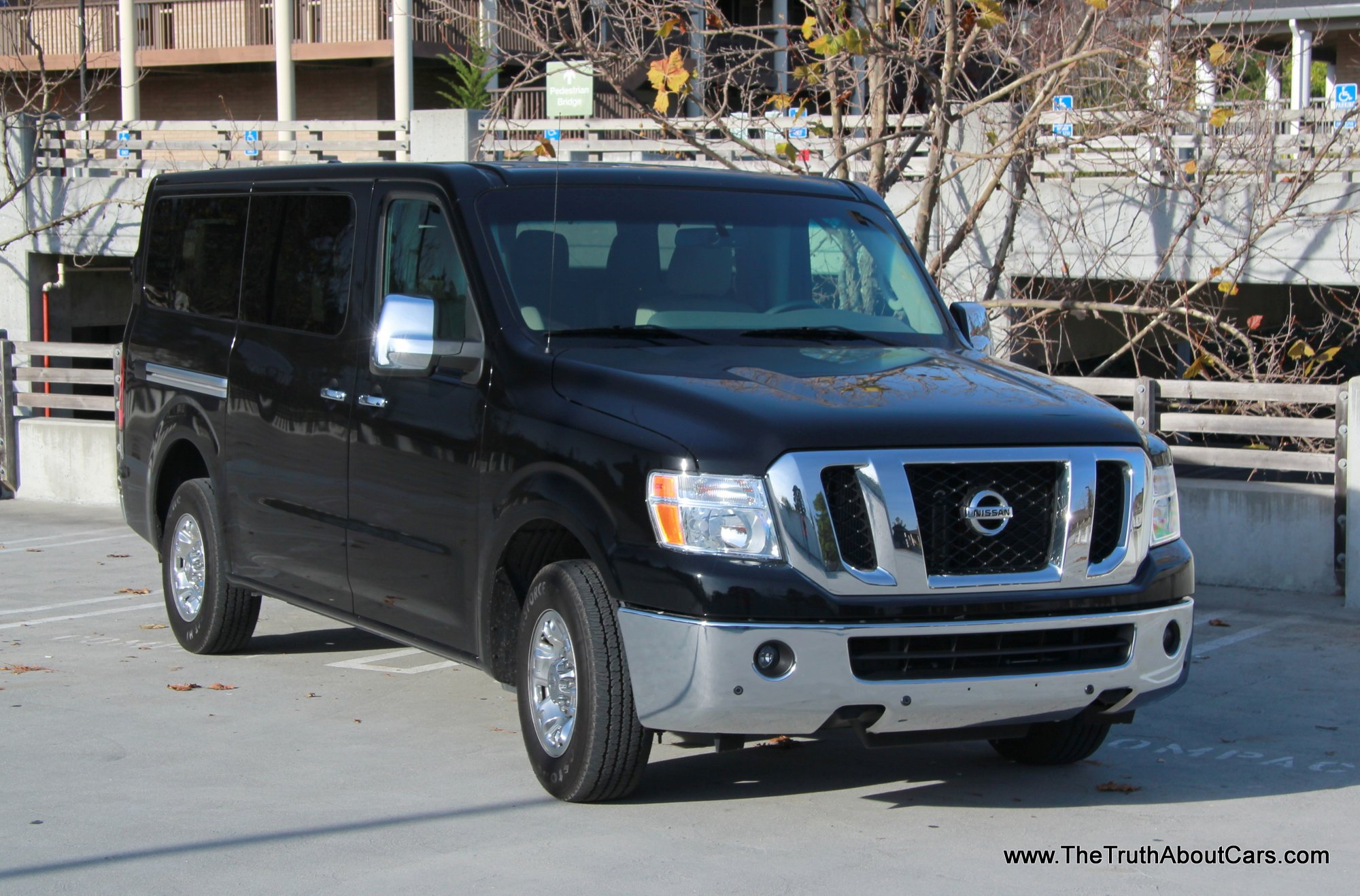 Nissan nv photo - 2