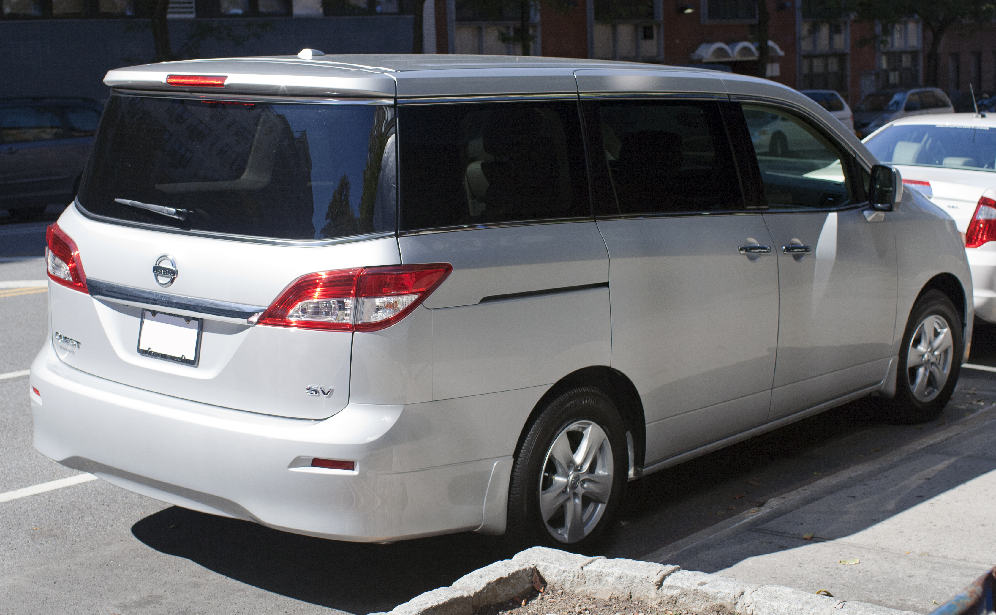 Nissan quest photo - 2