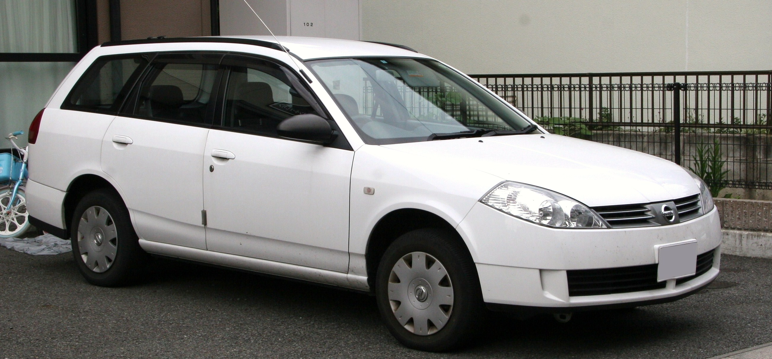 Nissan wingroad photo - 3