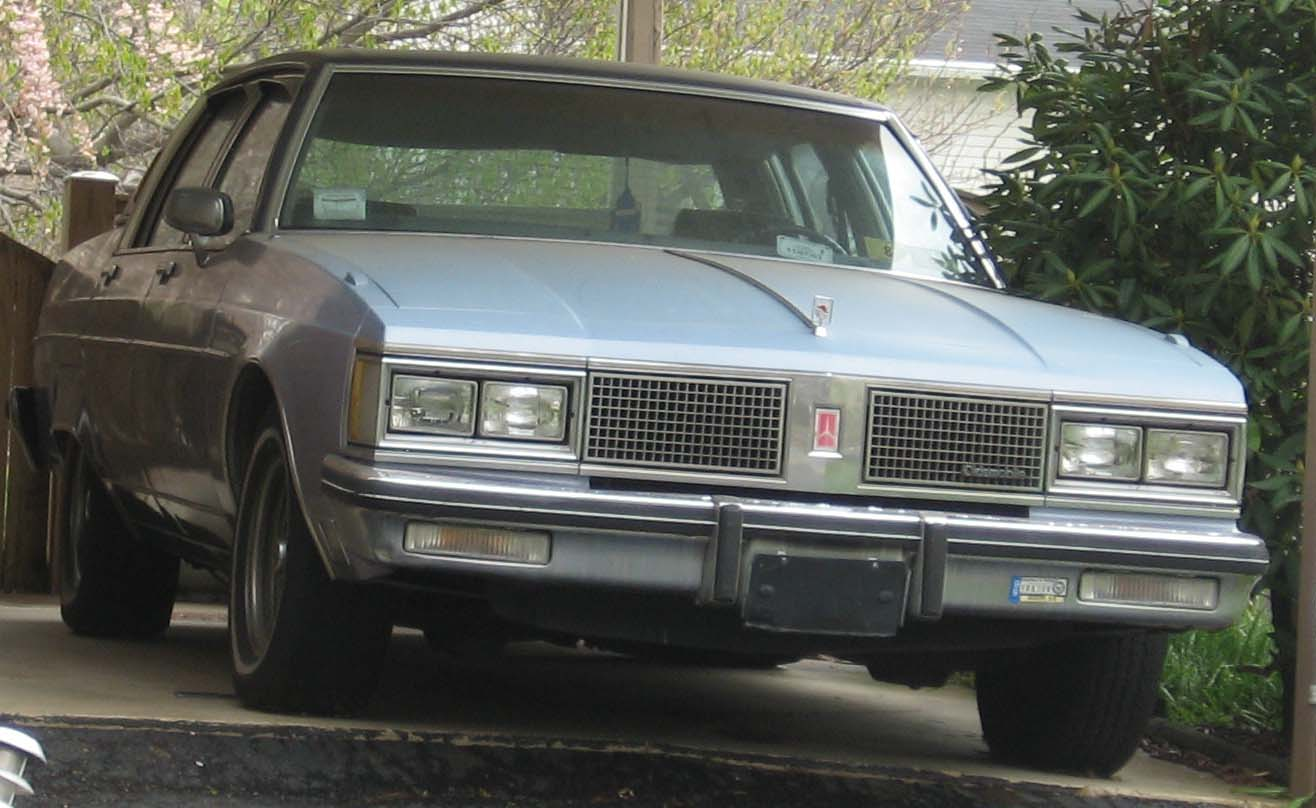 Oldsmobile 98 photo - 1