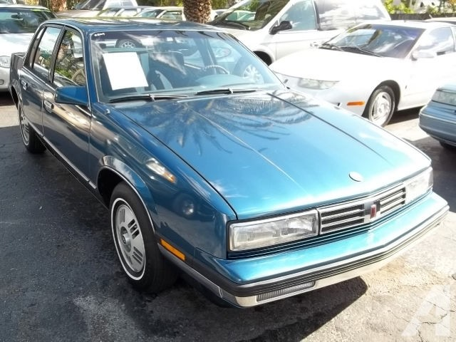 Oldsmobile calais photo - 1