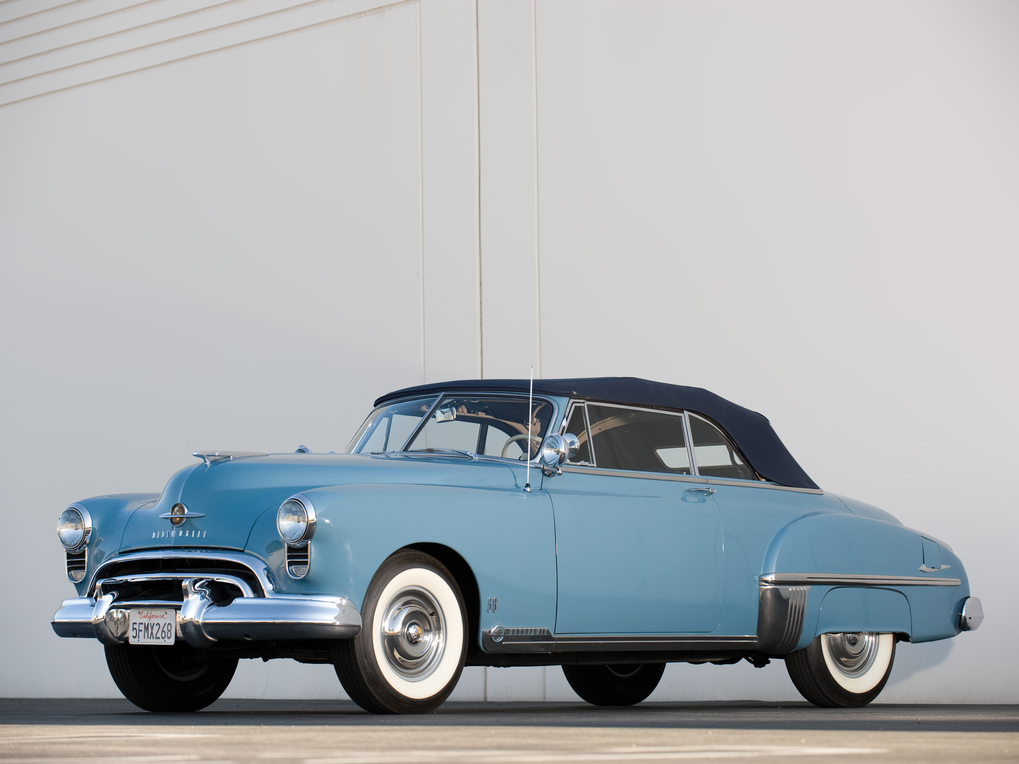 Oldsmobile futuramic photo - 2