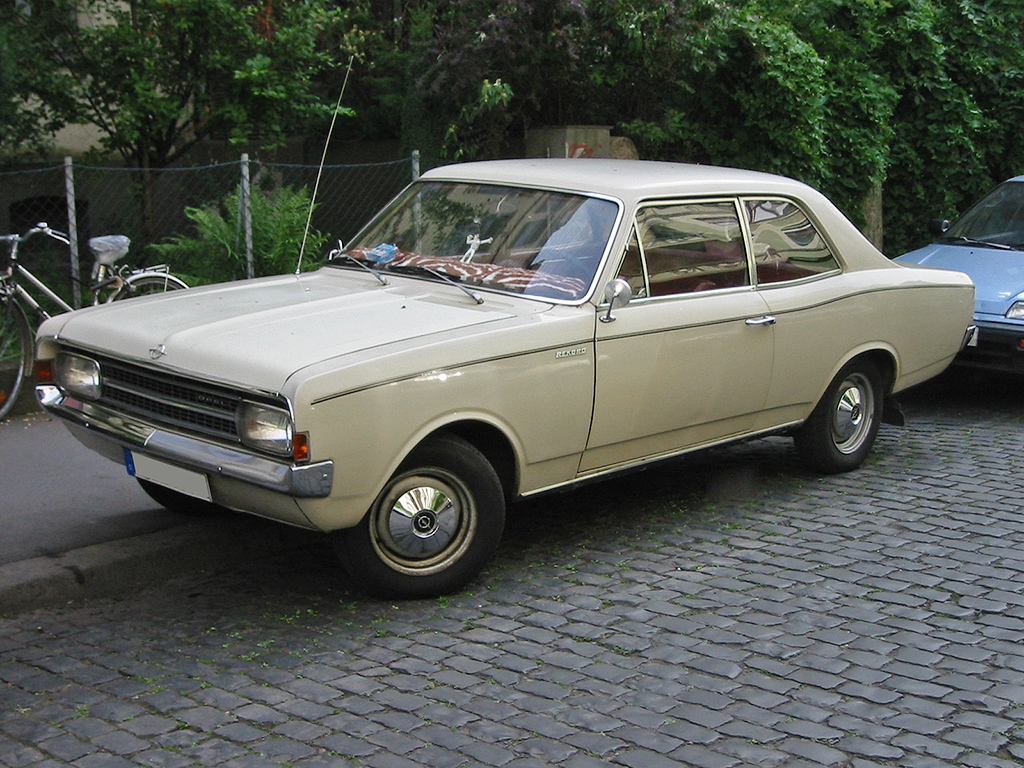Opel record photo - 1