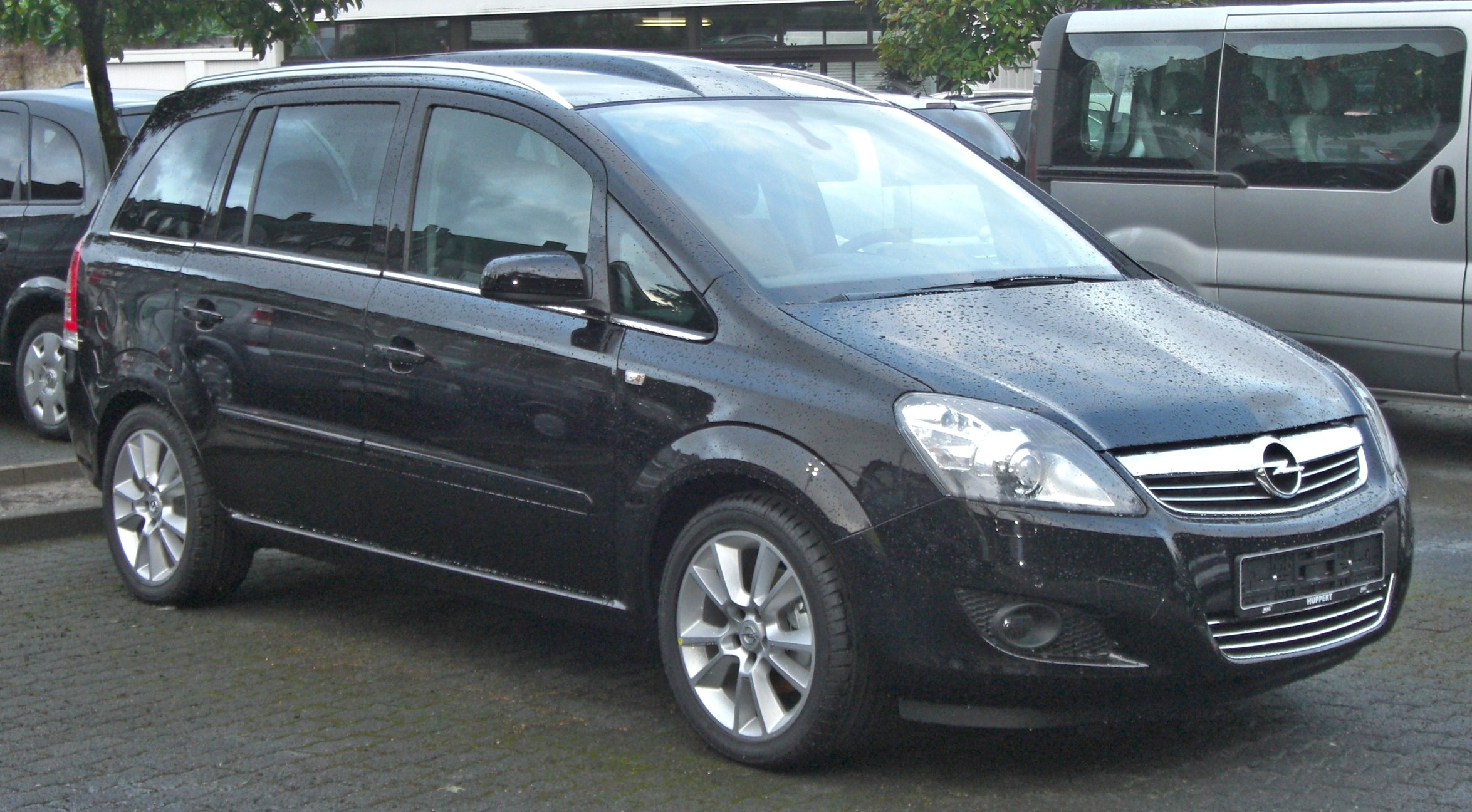 Opel zafira photo - 2