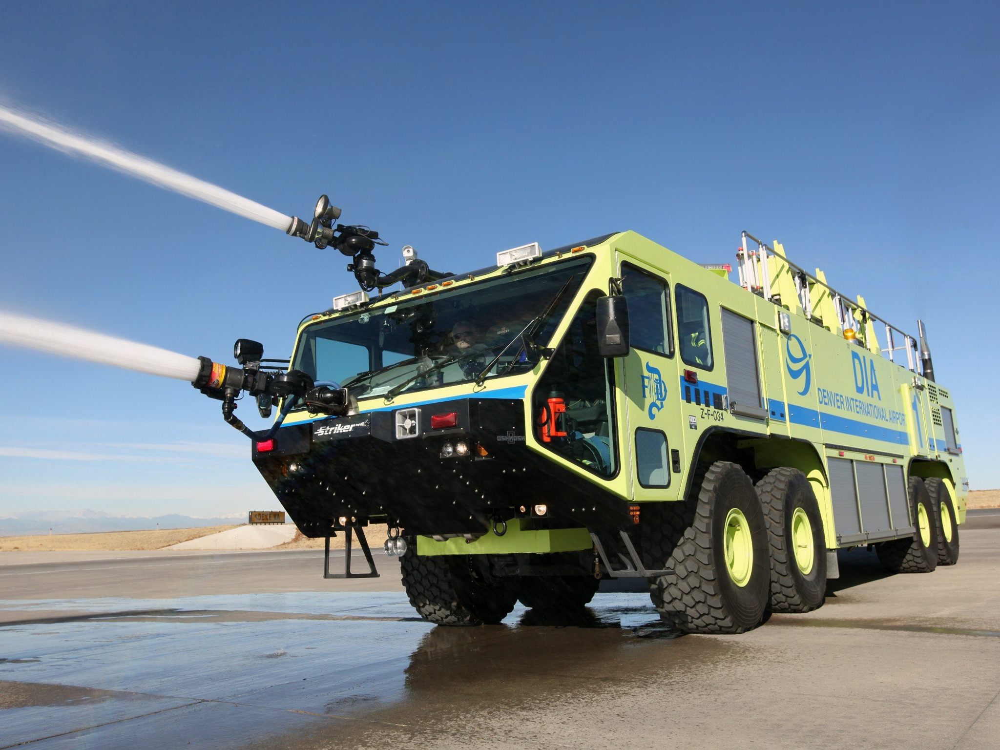Oshkosh arff photo - 2