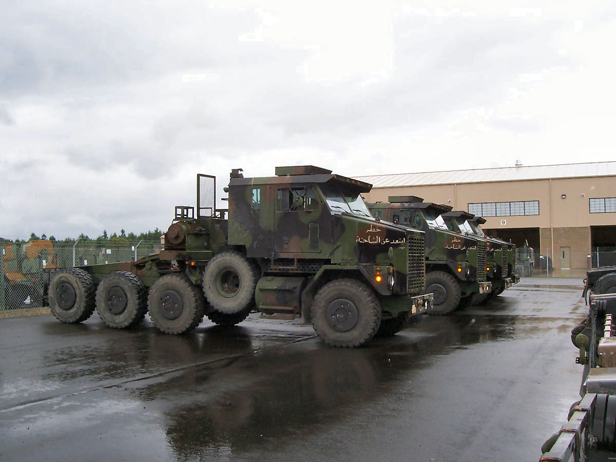 Oshkosh m1070 photo - 4