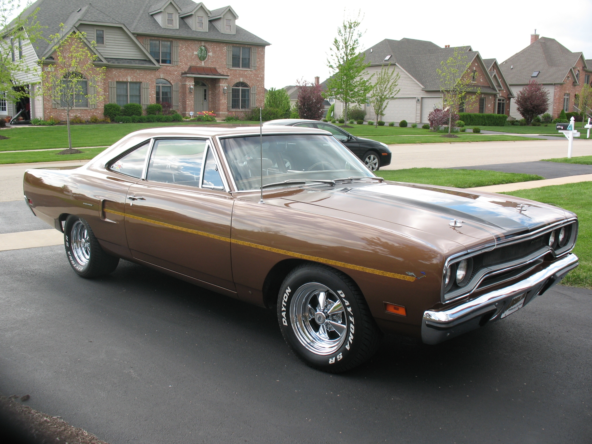 Plymouth roadrunner photo - 2
