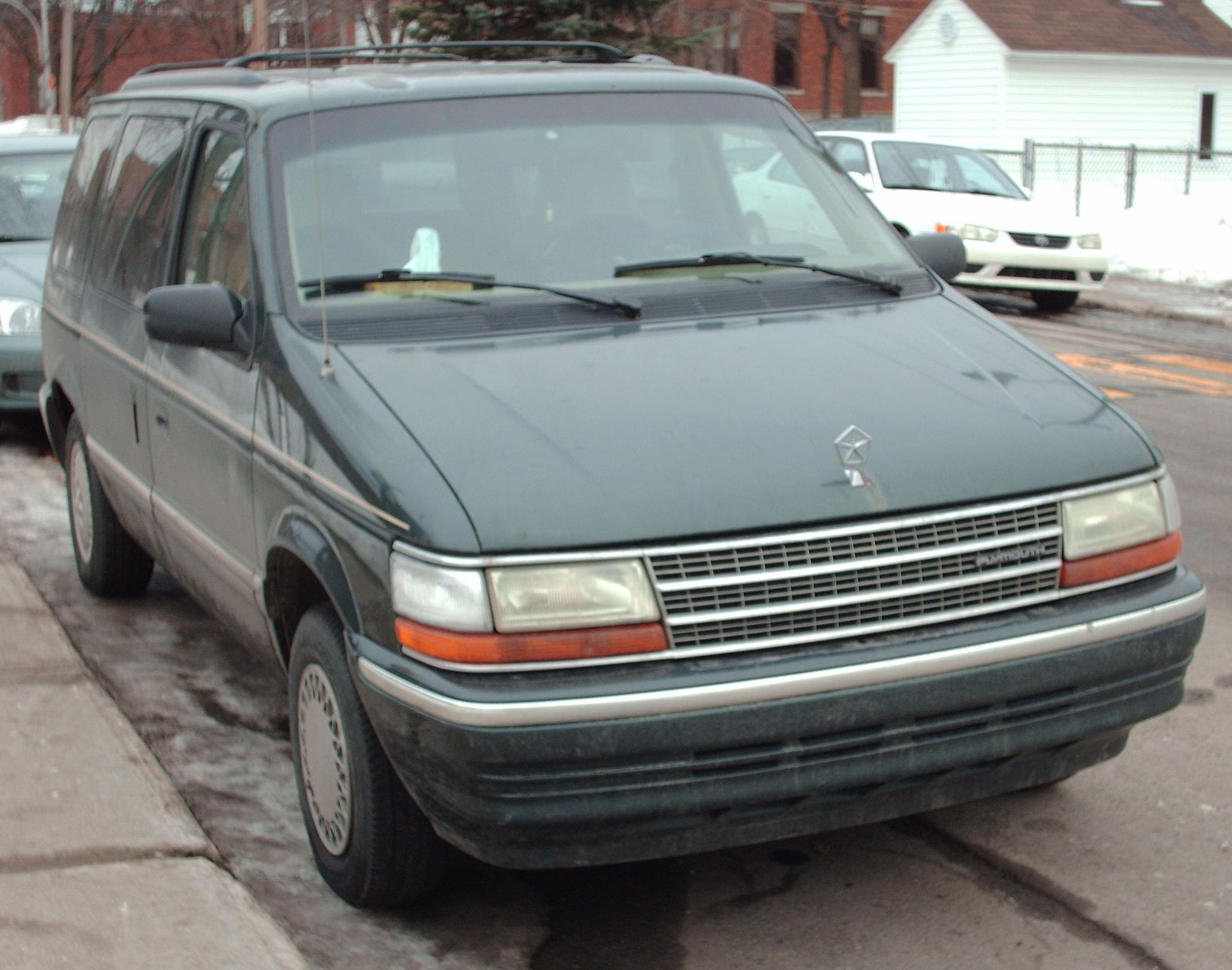 Plymouth voyager photo - 1