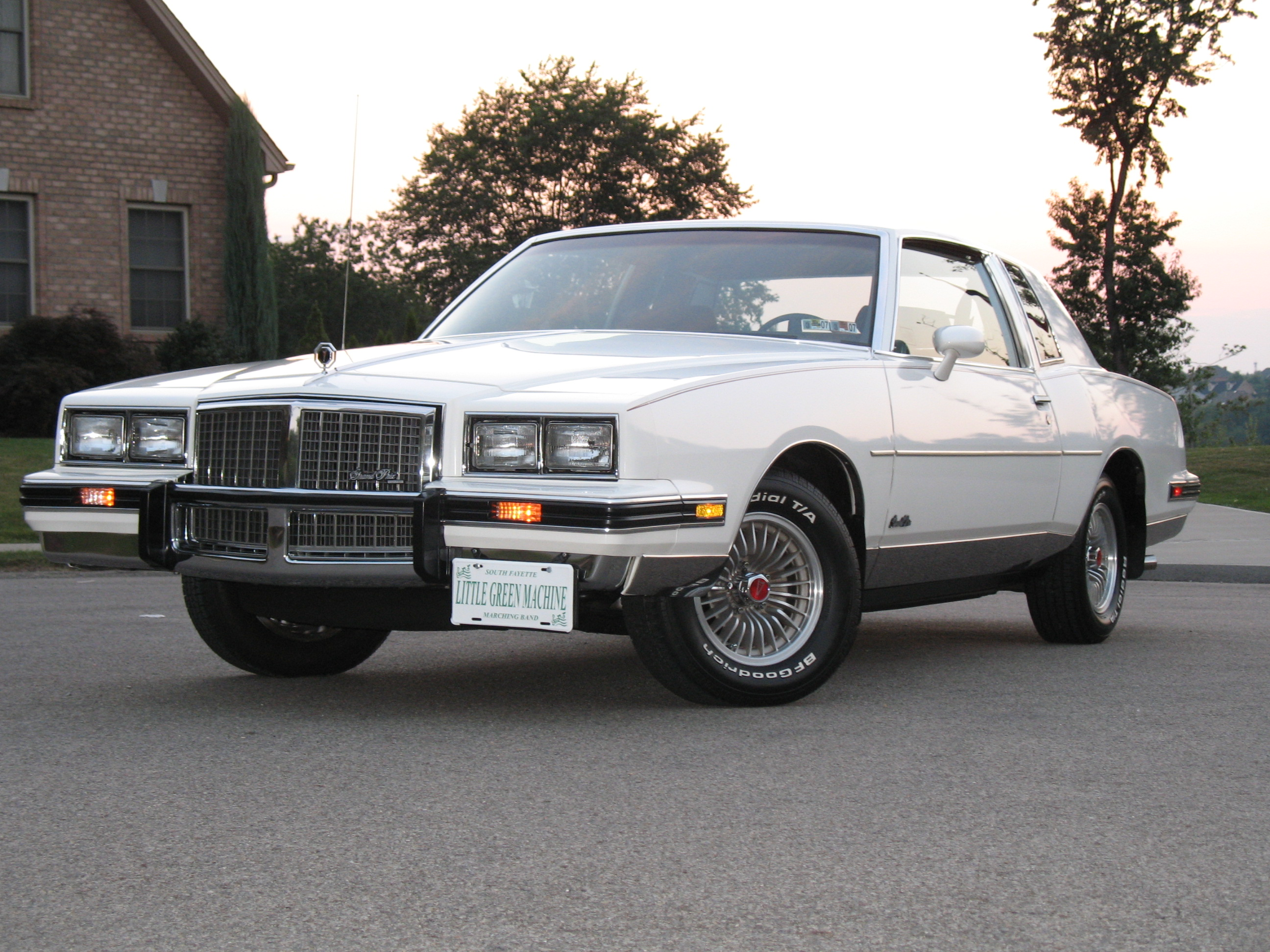 Pontiac grand photo - 3