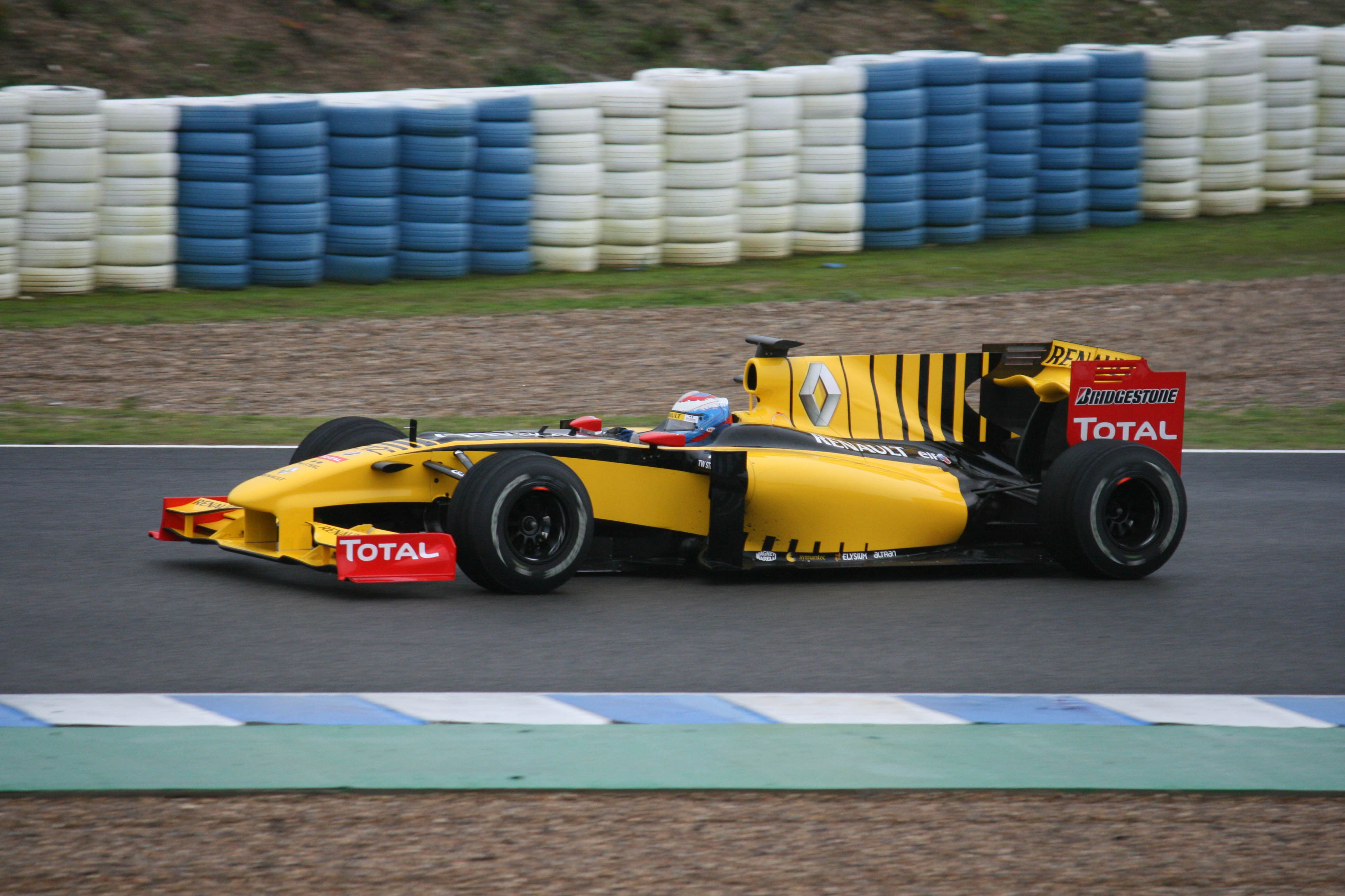 Renault r24 photo - 3