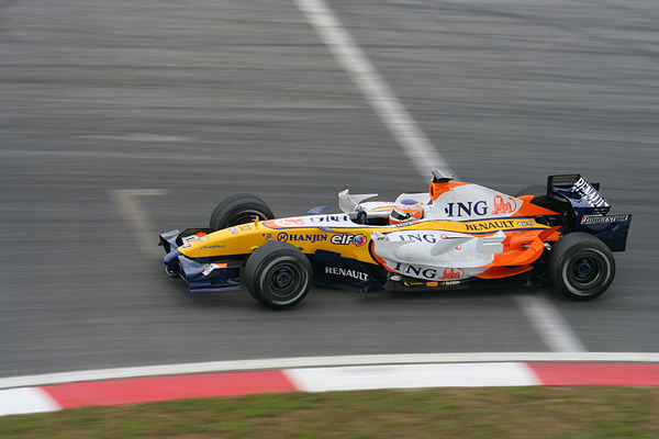 Renault r27 photo - 2