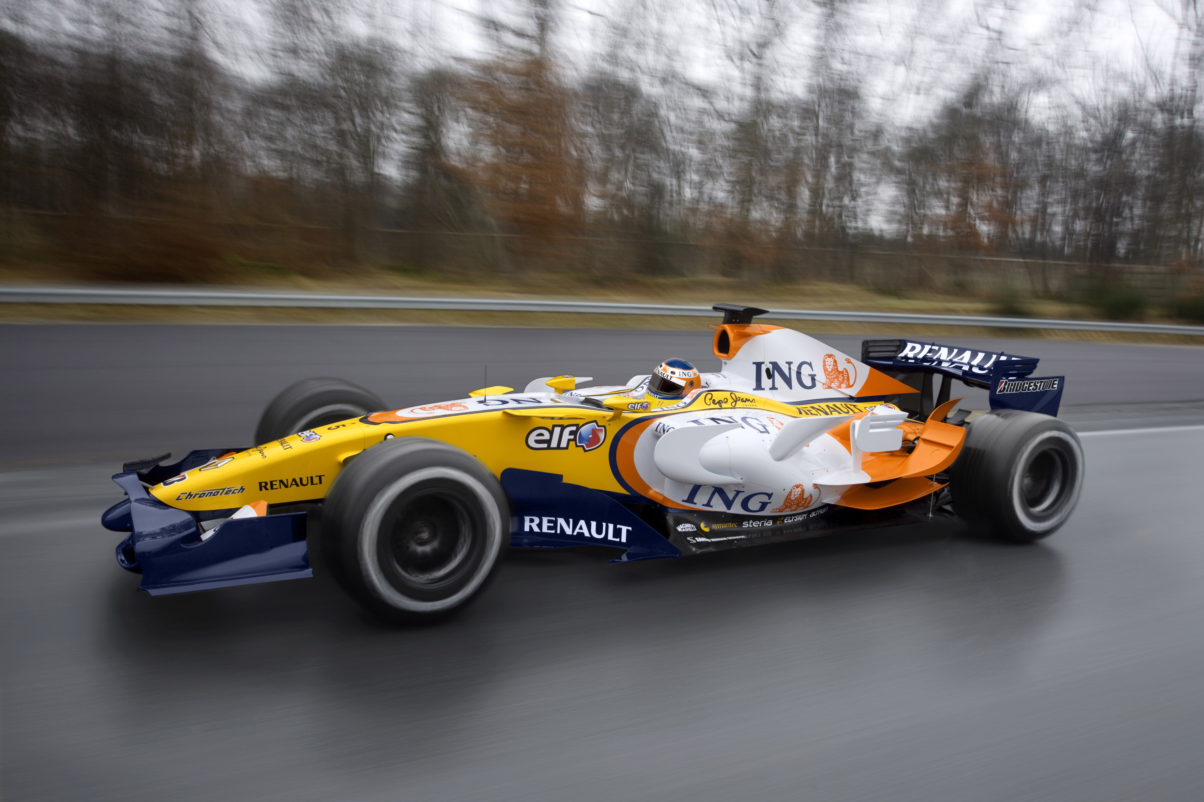Renault r28 photo - 2