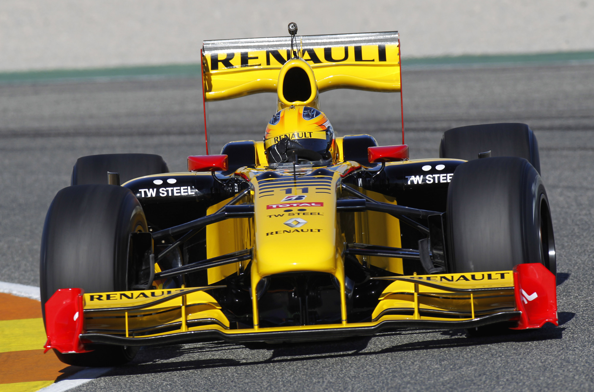 Renault r30 photo - 1