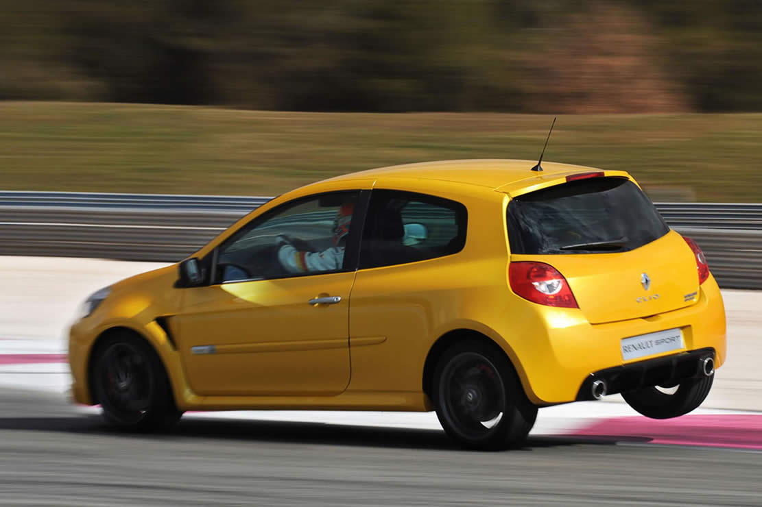 Renault rs photo - 3