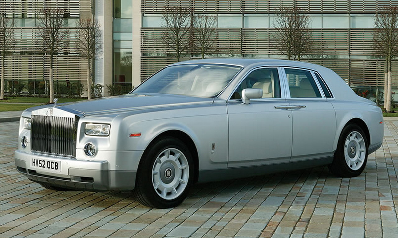 Rolls royce sedan photo - 1