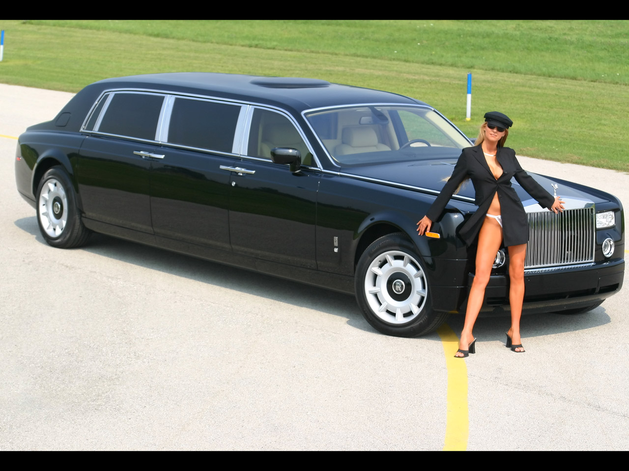 Rolls royce with photo - 4