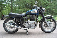 Royal enfield interceptor photo - 3