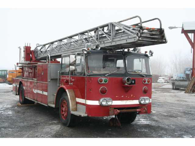 Seagrave ladder photo - 2