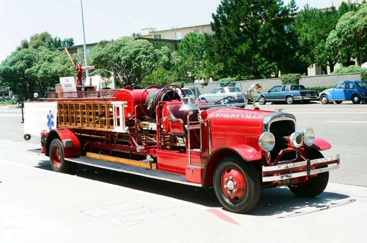 Seagrave ladder photo - 3