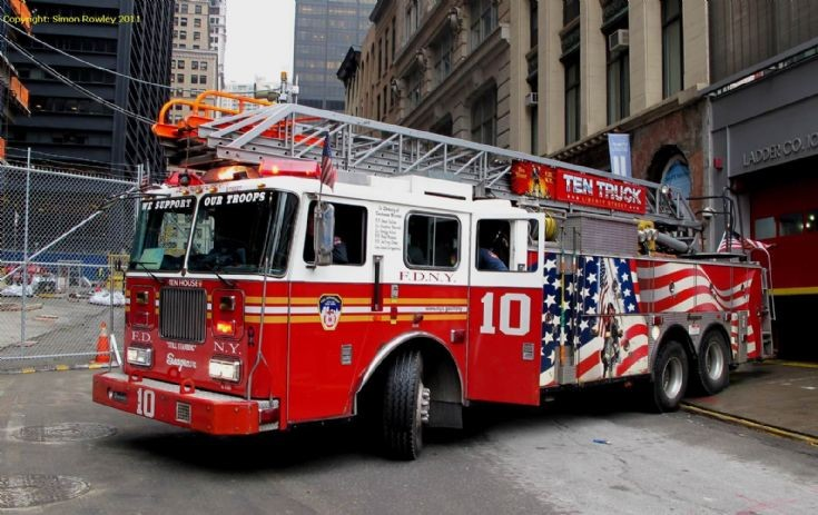 Seagrave ladder photo - 4