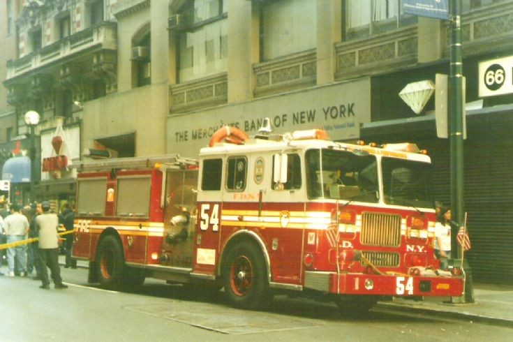Seagrave pumper photo - 1