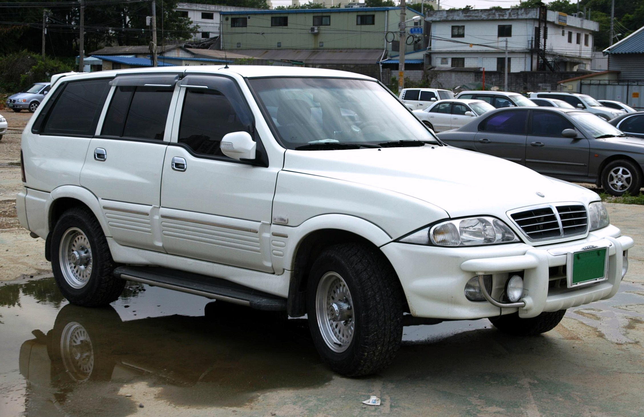 Ssangyong musso photo - 1
