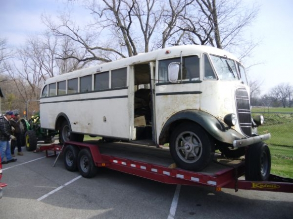 Studebaker bus photo - 2