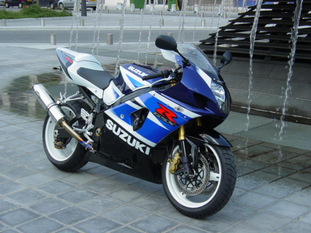 Suzuki 1000 photo - 4