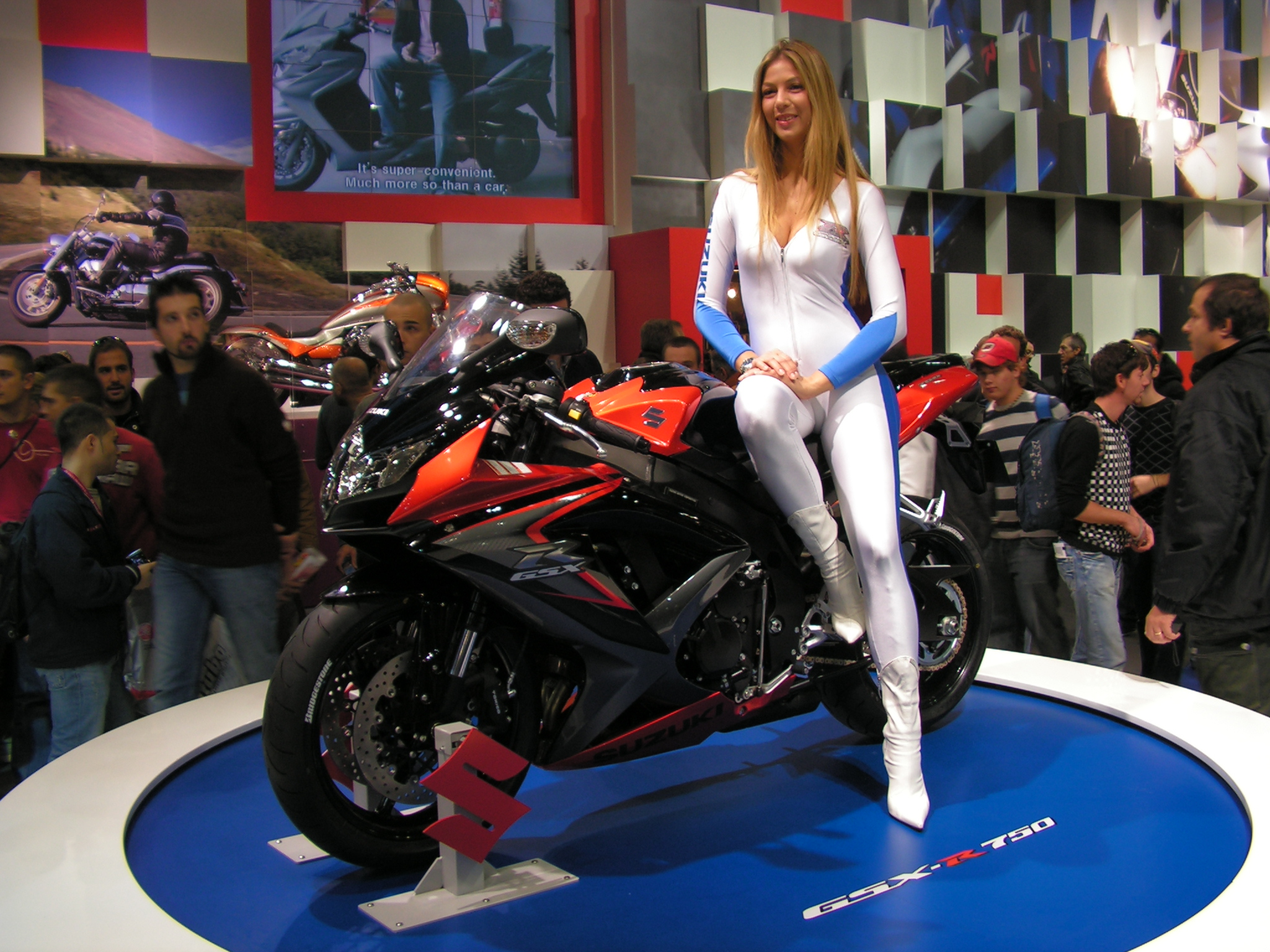 Suzuki gsx-r750 photo - 4