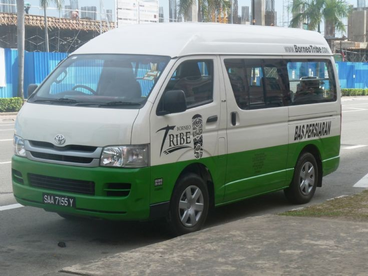 Toyota (bus) photo - 2