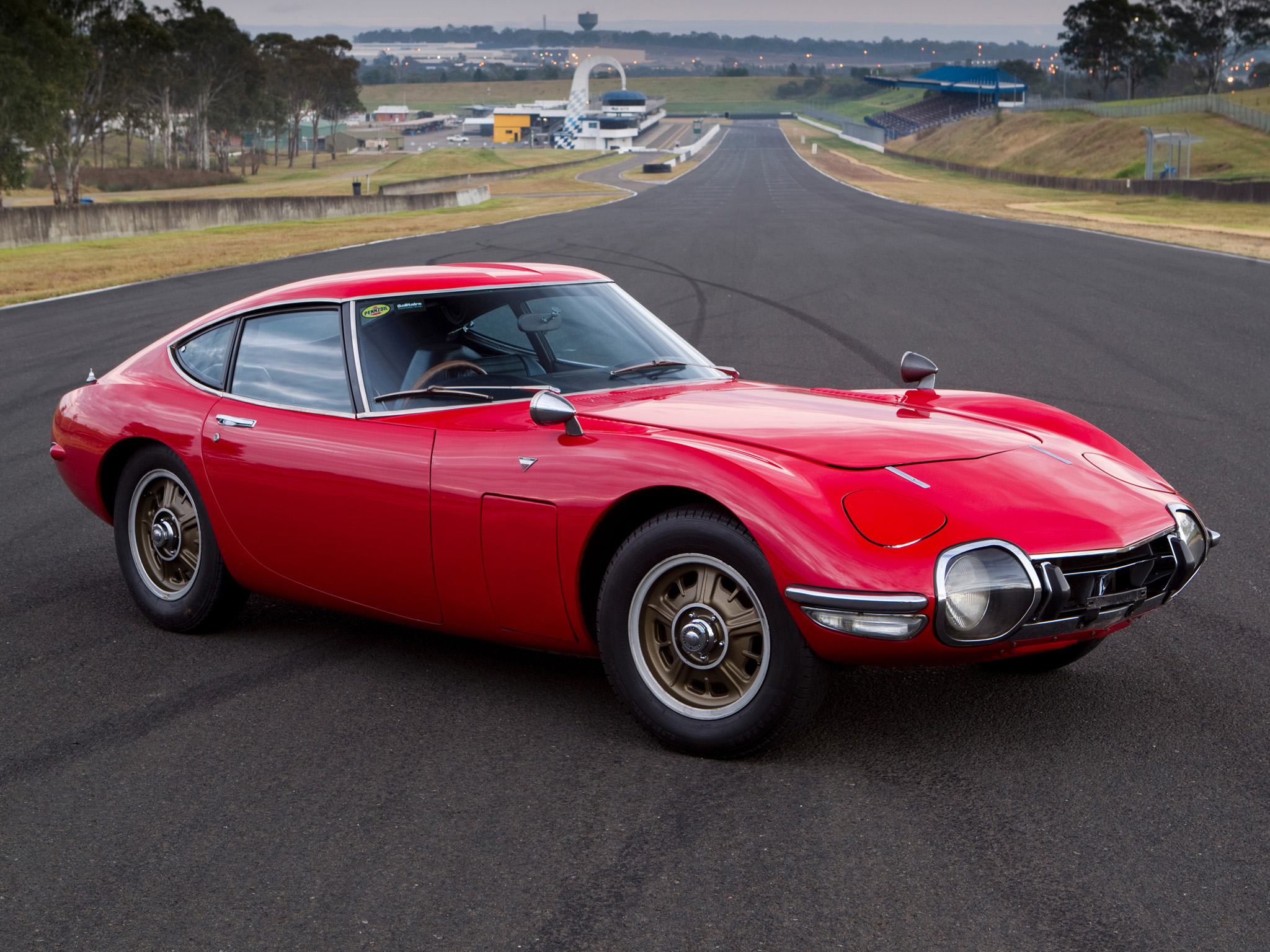 Toyota 2000gt photo - 1