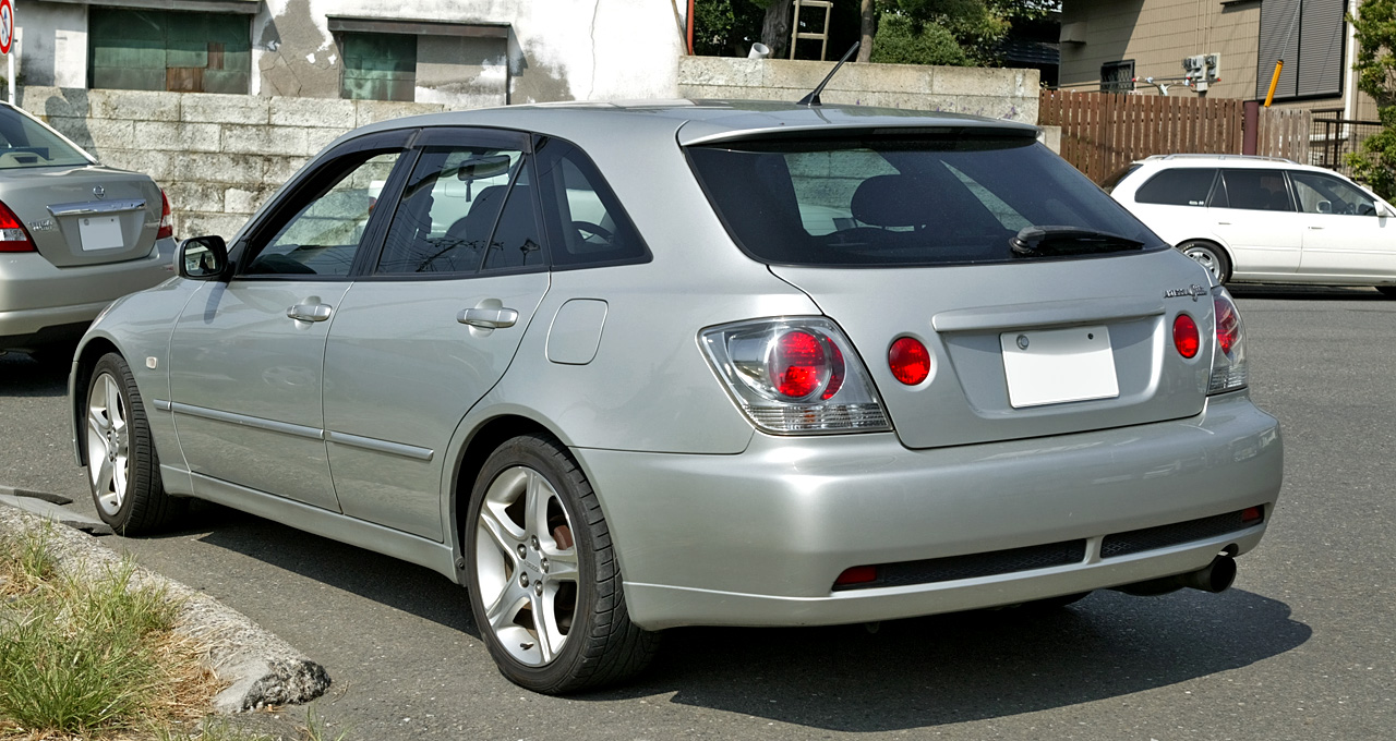 Toyota altezza photo - 1