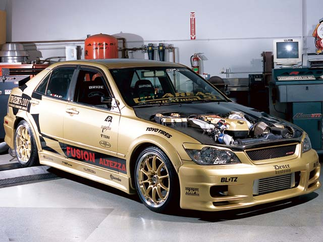 Toyota altezza photo - 2