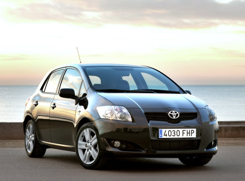 Toyota auris photo - 1