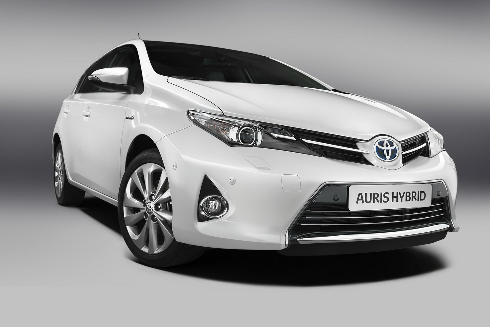 Toyota auris photo - 4