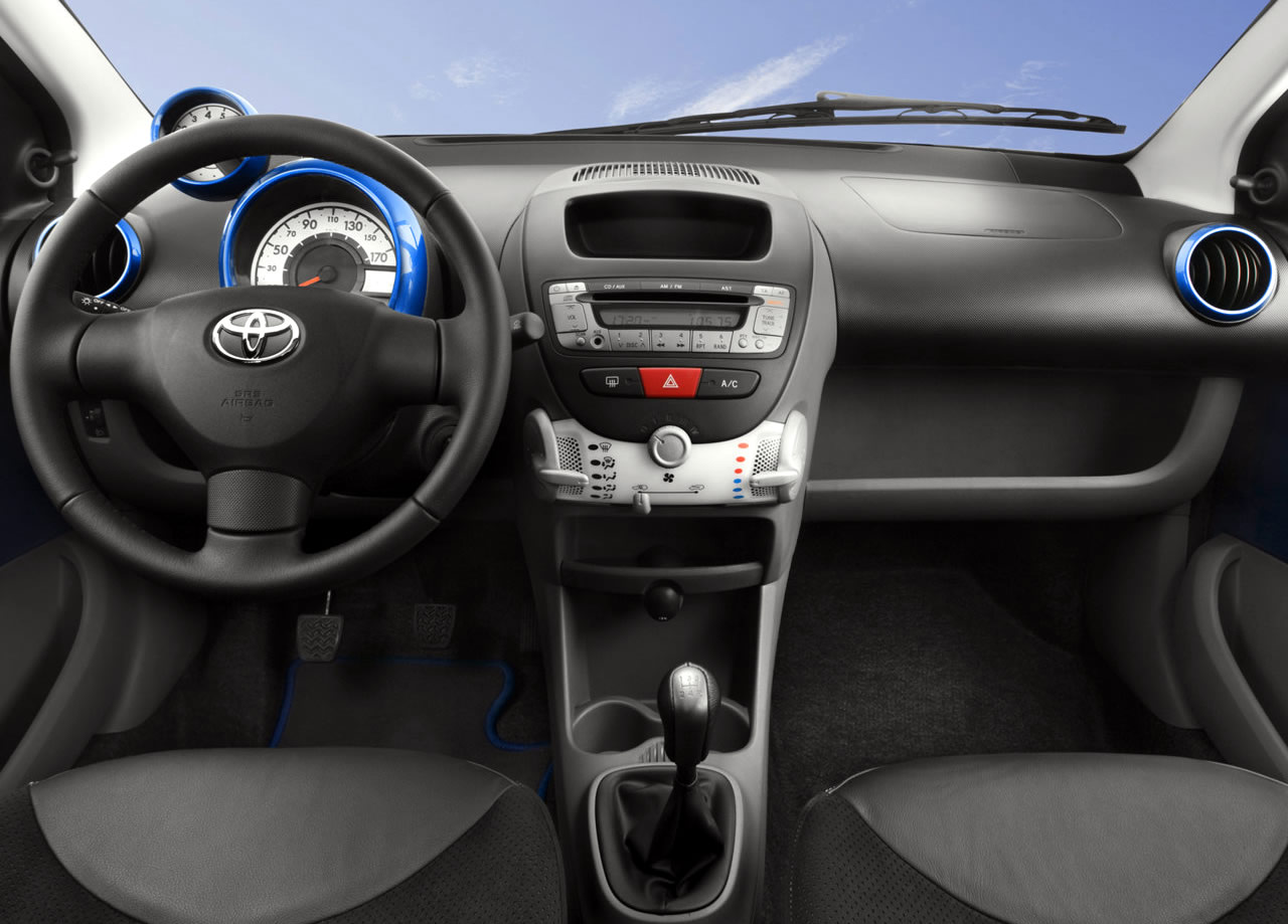 Toyota aygo photo - 3