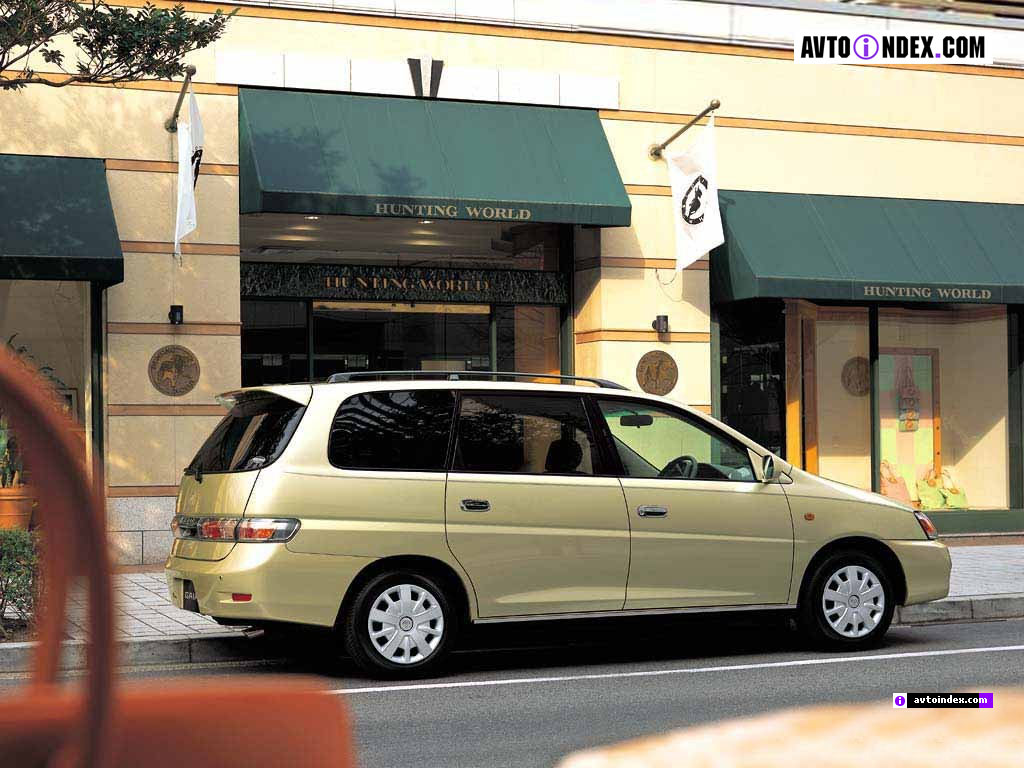 Toyota gaia photo - 4