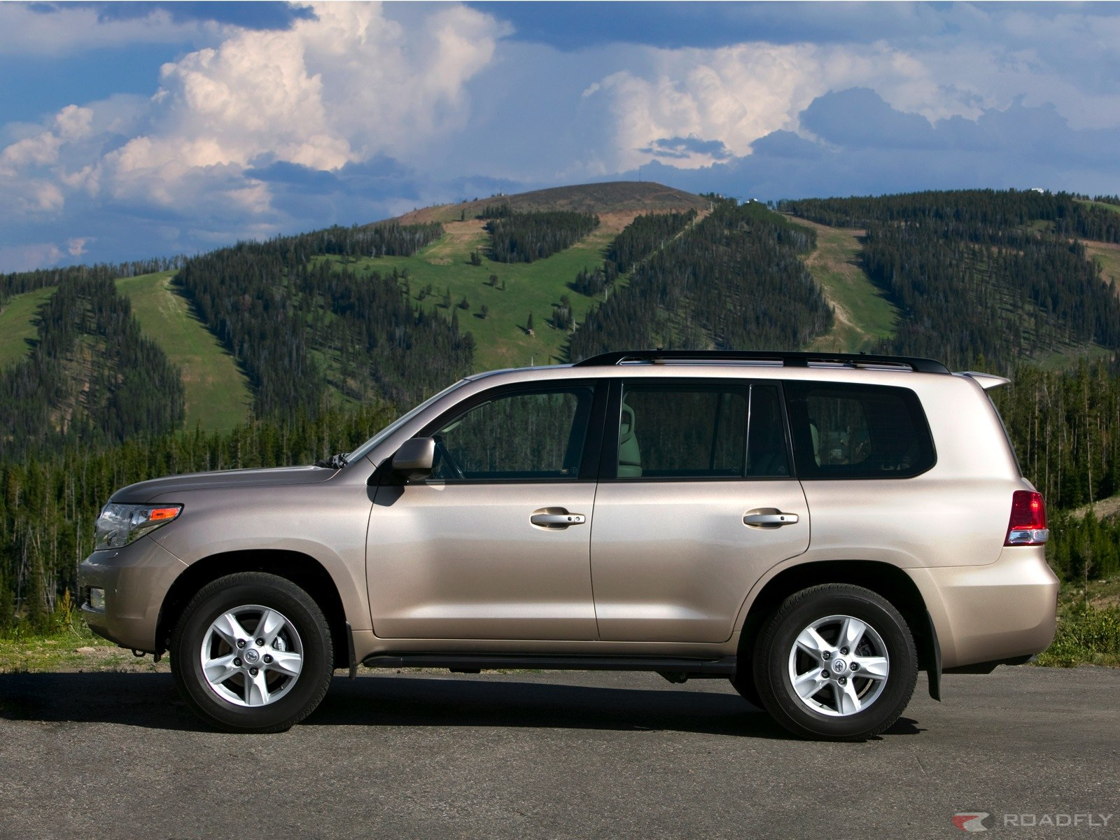 Toyota landcruiser photo - 3