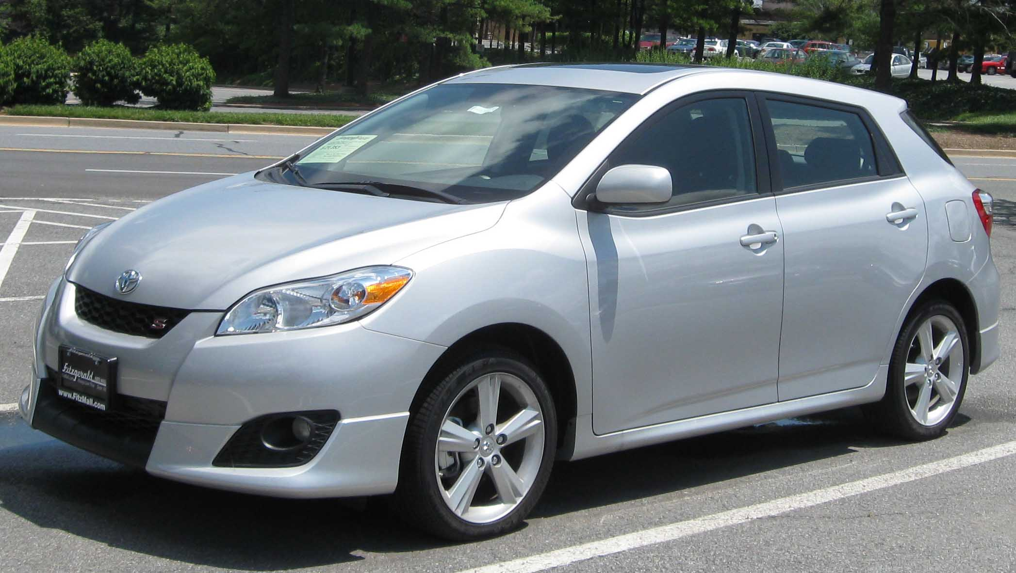 Toyota matrix photo - 3