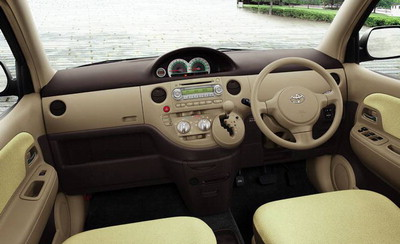 Toyota sienta photo - 3