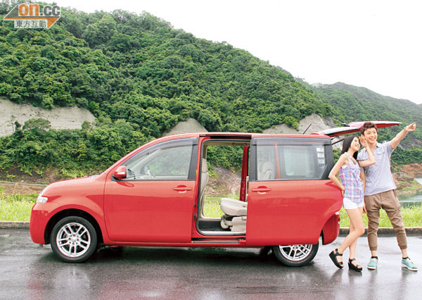 Toyota sienta photo - 4