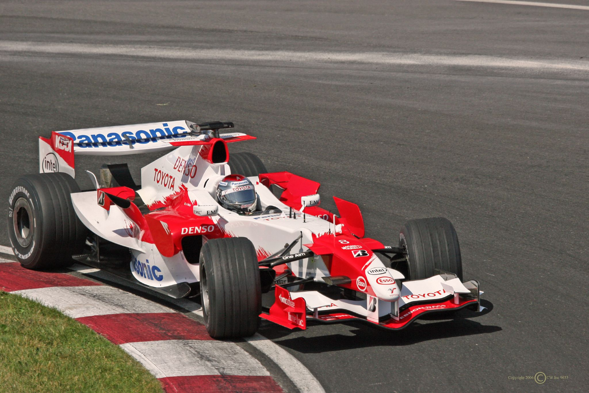 Toyota tf106 photo - 1