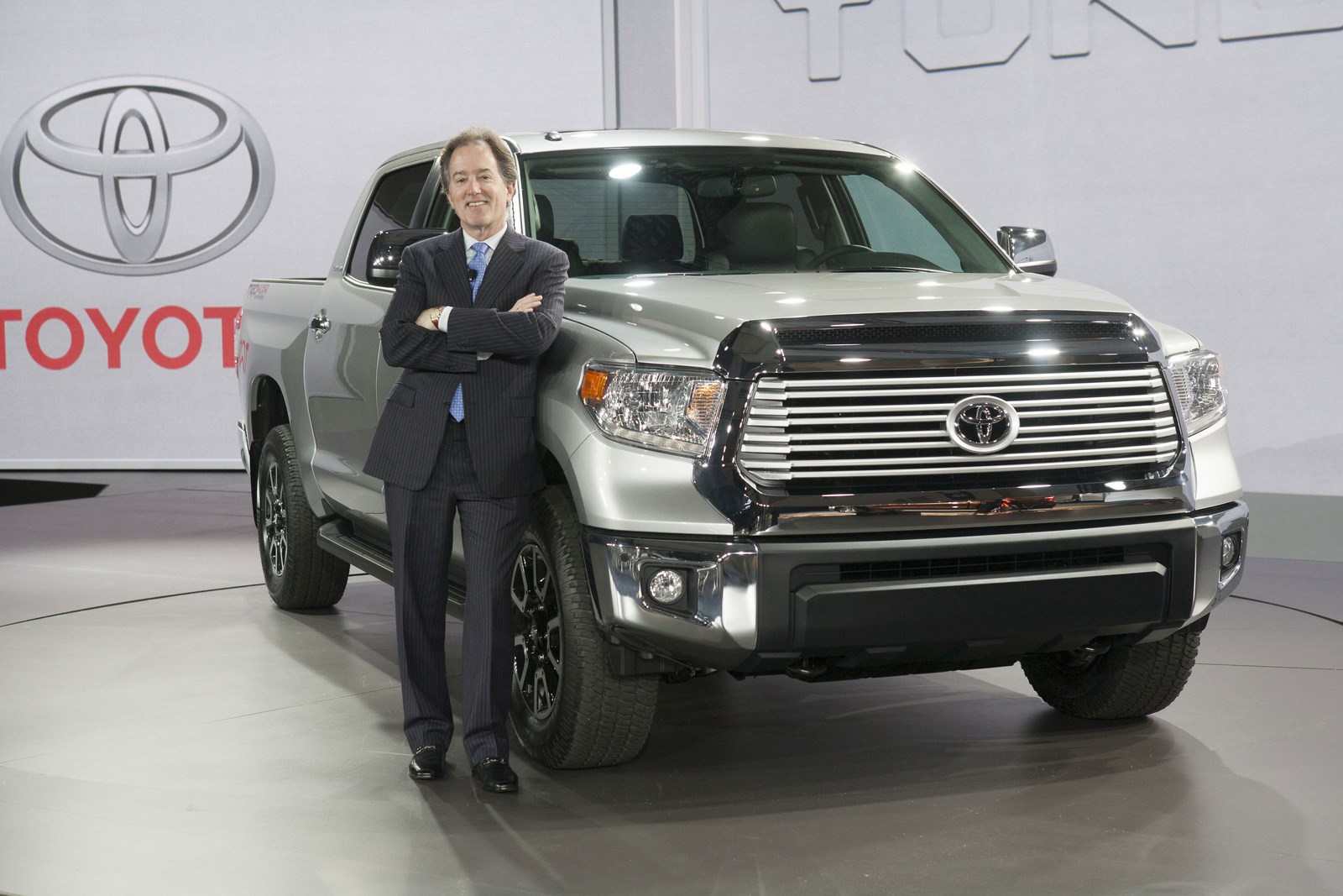 Toyota tundra photo - 3