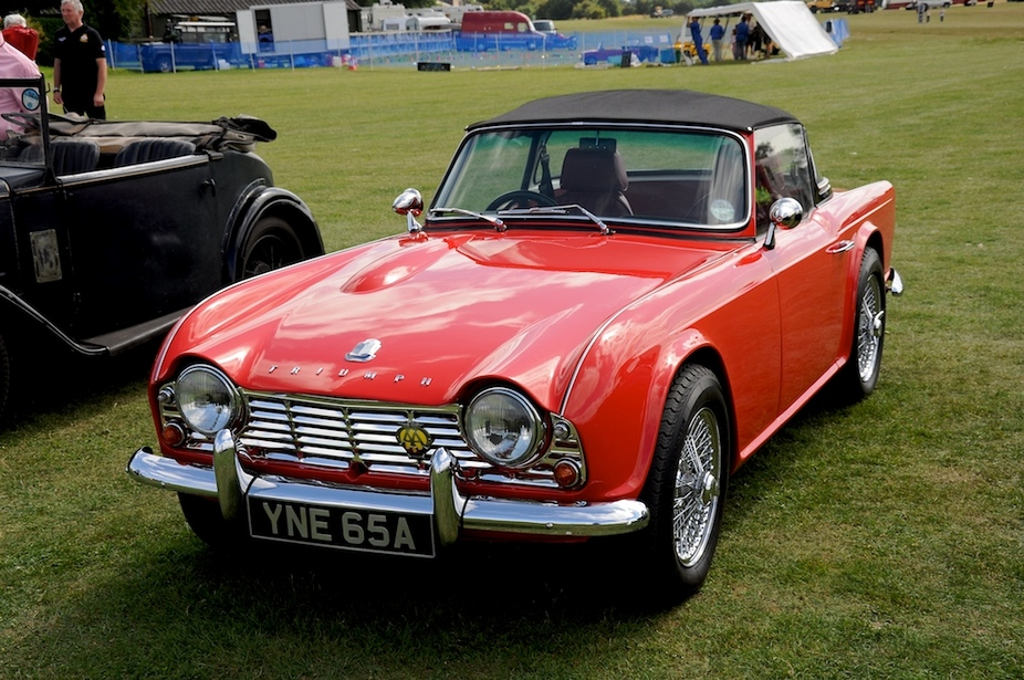 Triumph tr4 photo - 4