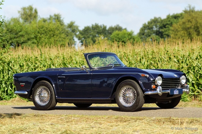 Triumph tr5pi photo - 1